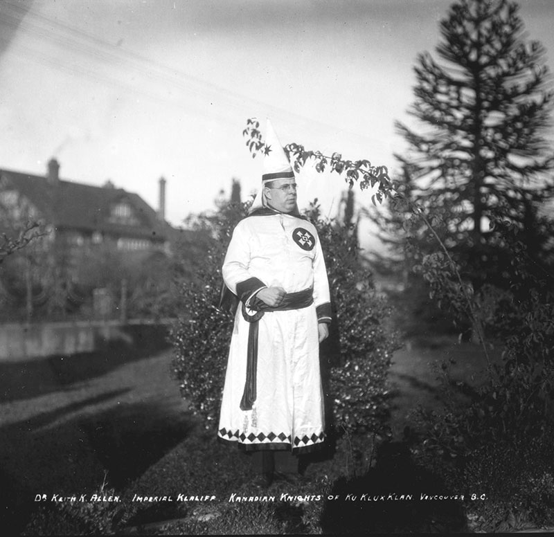 Dr. Keith K Allen, Imperial Klaliff of the KKK, Shaughnessy Heights, 1925. Photo by Stuart Thomson, City of Vancouver Archives #99-1502.