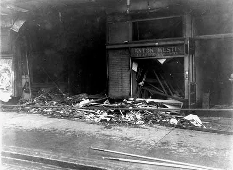 Damage to the Royal Theatre, March 1933. Photo by Stuart Thomson, Vancouver Public Library #9116A.