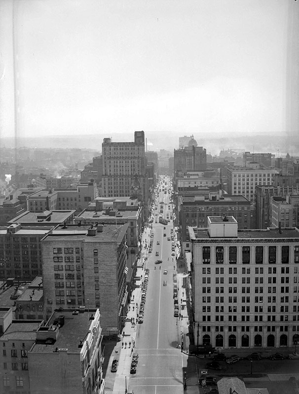 Here's the view from the Marine Building looking towards Cambie on West Hastings in 1946. Don Coltman, City of Vancouver Archives #586-4591.