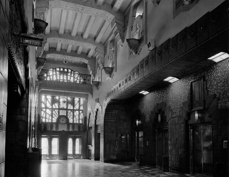 The lobby of the Marine Building, 1972. Photo by Art Grice, City of Vancouver Archives #70-21.